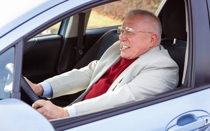 Senolio elgesys prie vairo šiurpina giminaičius – bijo skaudžių pasekmių