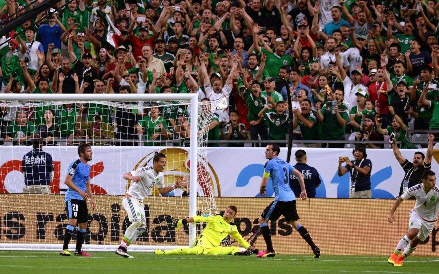 """""""Copa America"""" turnyre – du antausiai Urugvajui: ne tas himnas ir nesėkmė"""