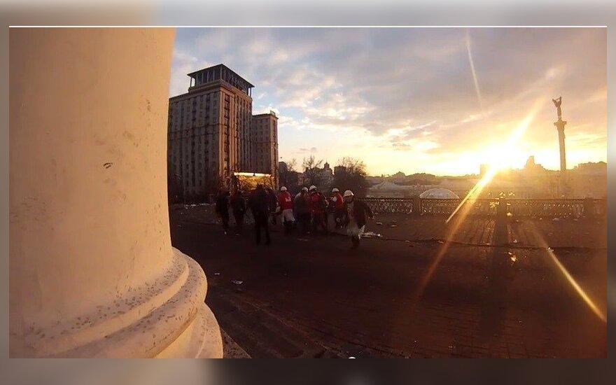 Šiurpi vaizdo medžiaga iš Kijevo: nufilmuota, kaip snaiperis nušauna dar vieną aktyvistą