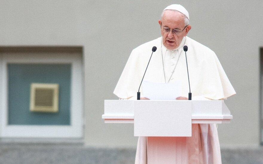 Subačius: popiežius keliauja ten, kur jo reikia žmonėms, o ne valstybių vadovams
