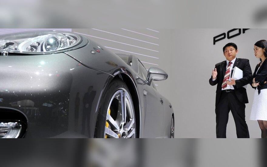 Automobilių pardavimai JAV padidėjo 18 proc.