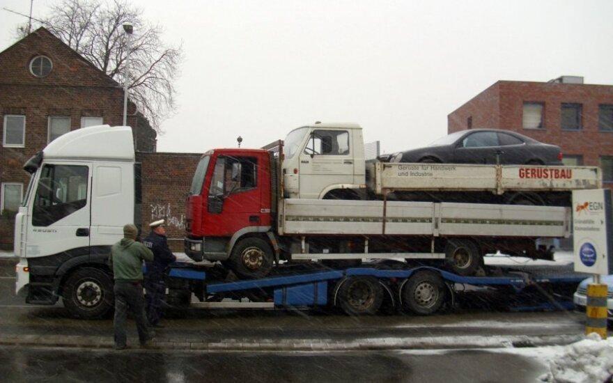 Vokietijoje sulaikytas lenko sunkvežimis. Krefeldo policijos nuotr.