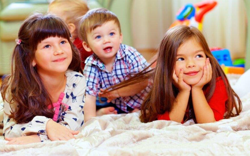 Estrelos rezoliuciją reziumuojant: vaikams reikia meilės, o ne sekso