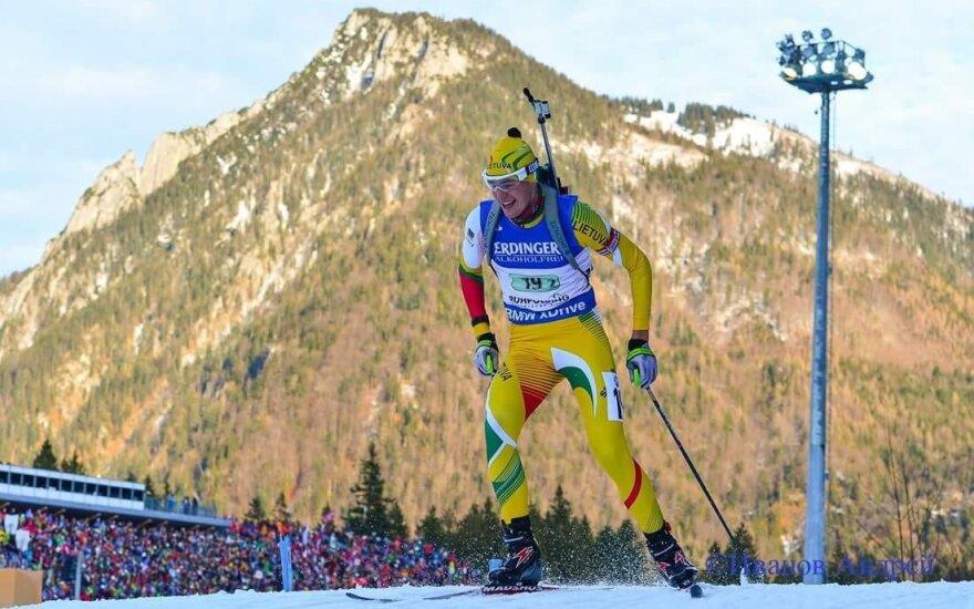Strolia pateko į pasaulio biatlono taurės persekiojimo lenktynes