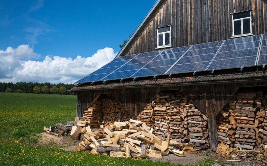 Saulės elektrinė ant stogo