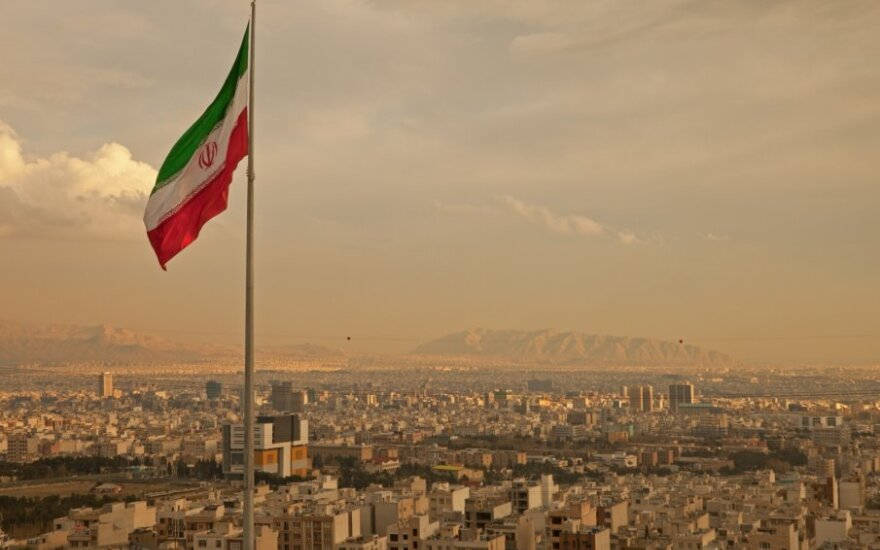 Irano vėliava virš Teherano