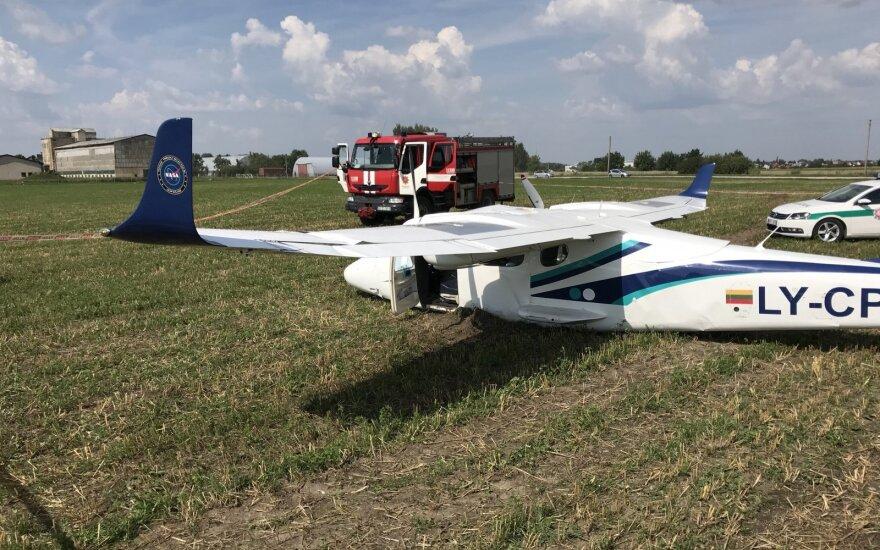 Kauno r. avariniu būdu nutūpdytas lėktuvas, nukentėjo lietuvis instruktorius ir užsienietis