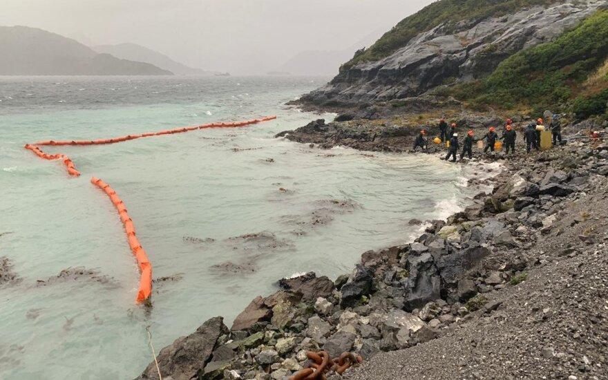 Čilėje išsiliejo per 40 tūkst. litrų naftos