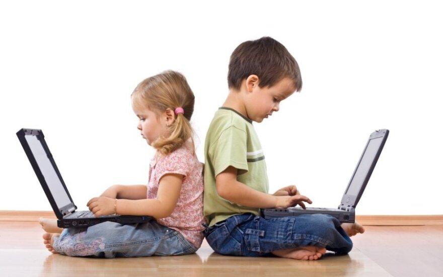 Patarimai tėvams: kokio amžiaus vaikai turėtų pradėti naudotis internetu?
