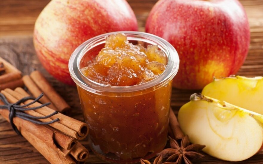 Obuolių ir putino uogų marmeladas