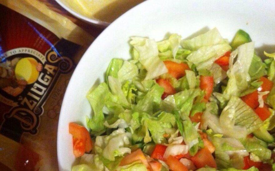 Vasariškos Cezario salotos