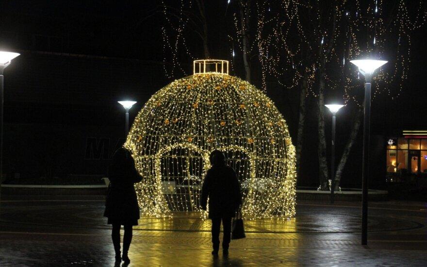 Lietuviai vis dažniau renkasi poilsį pajūryje žiemą: ką jie ten randa?