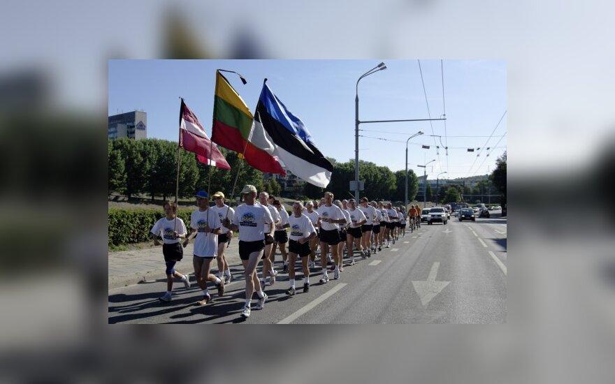 """Vilniuje """"Baltijos kelio"""" 20-mečio minėjimas pradėtas bėgimu"""