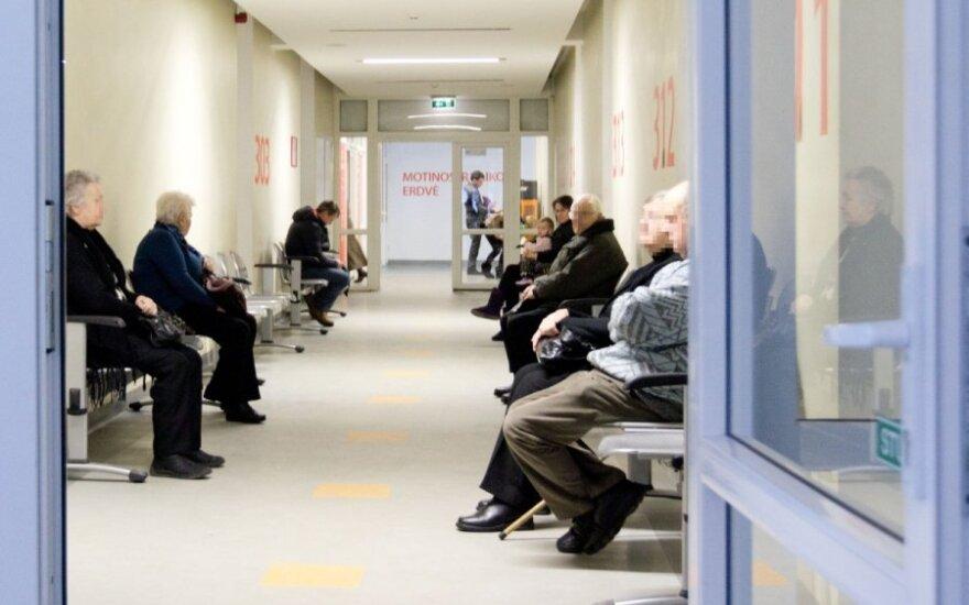 Poliklinikose – pacientų antplūdis: nemokamos vakcinos nuo gripo tiesiog iššluotos