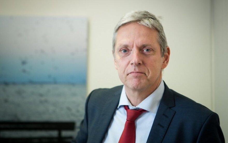 Helge`as J. Pedersenas