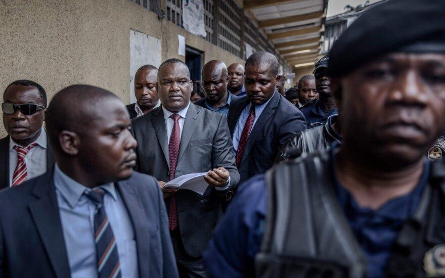 Konge atidedamas istorinių rinkimų rezultatų paskelbimas