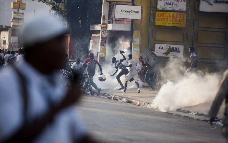 Haičio muitinėje per riaušes žuvo mažiausiai šeši žmonės