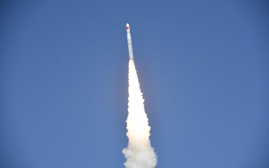Kinija apsiginklavo naujomis balistinėmis raketomis