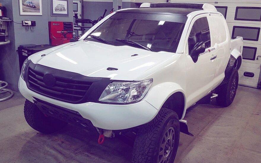 """B. Vanago """"Toyota Hilux"""" bolidas paruoštas naujam projektui"""