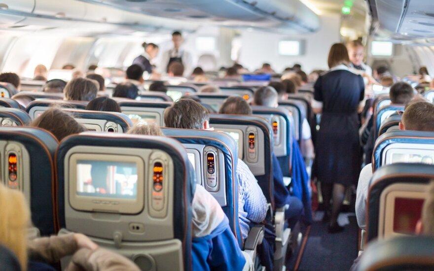Oro linijų milžinė įves prievolę keleiviams pasiskiepyti nuo koronaviruso