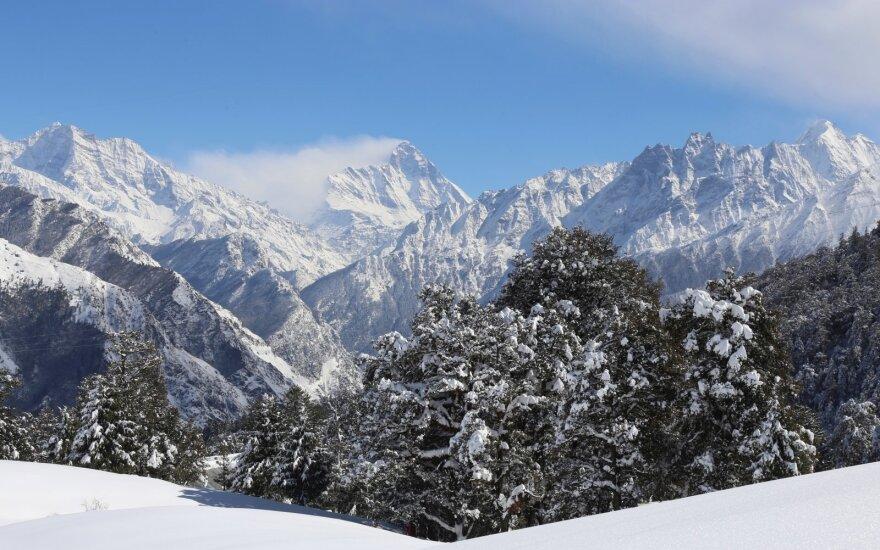 Indija sumažino dingusių alpinistų paieškų zoną