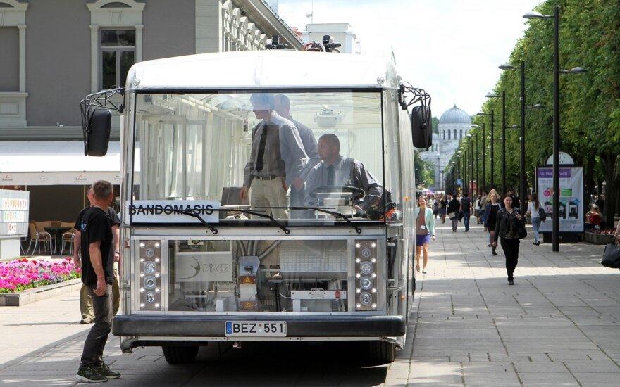 """Permatomą elektrinį troleibusą-autobusą """"Dancer"""" įmonė """"Vėjo projektai"""" pristatė praeitą pavasarį"""