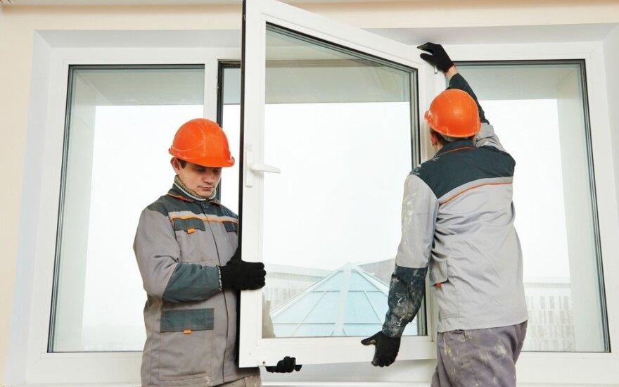 Kaune žuvo daugiabutyje langus keitęs vyras