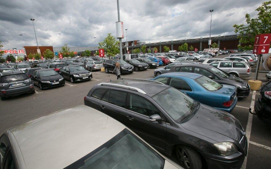 Sauliui Skverneliui – raginimai dėl automobilių mokesčio