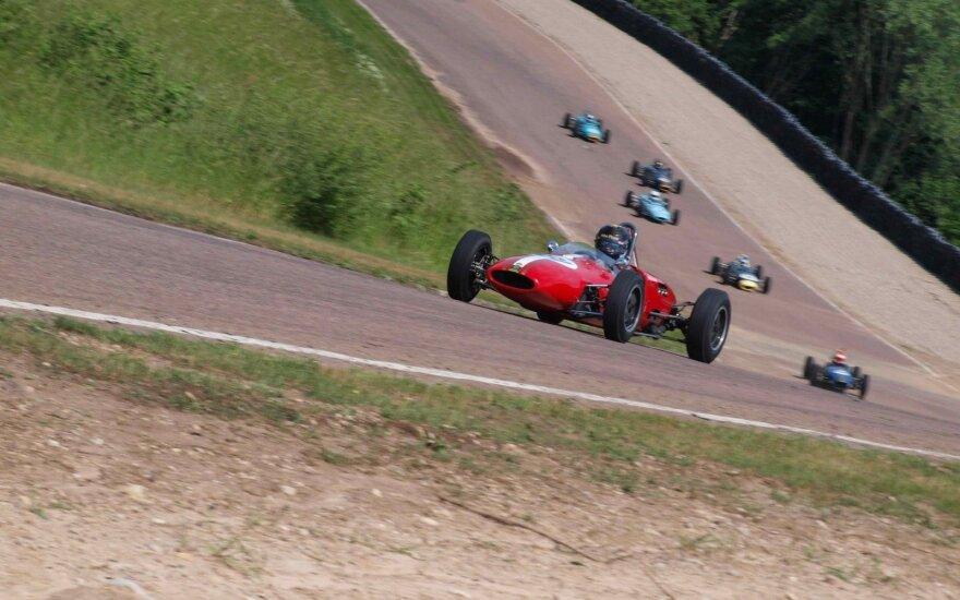 """""""Formula Junior"""" lenktynėse Kaune dominavo britai"""