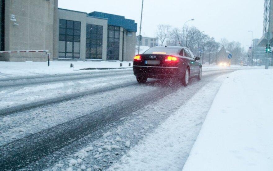 Rytinėje šalies dalyje - sudėtingesnės eismo sąlygos