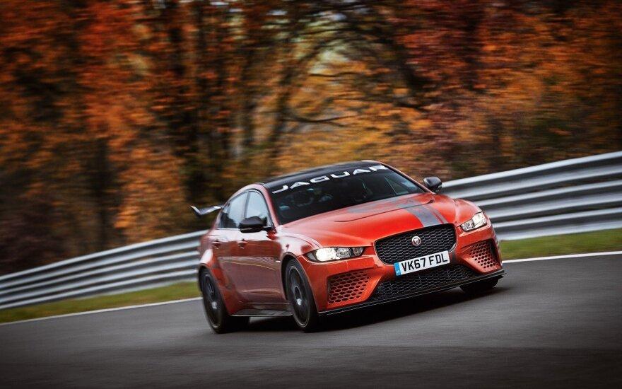 """""""Jaguar XE SV Project 8"""" pasiekė rekordą Niurburgo trasoje"""