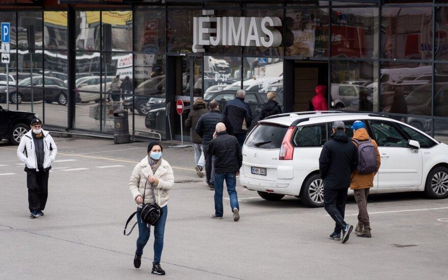 Išaugus užsikrėtimų skaičiui gyventojai pradėjo rečiau lankytis parduotuvėse