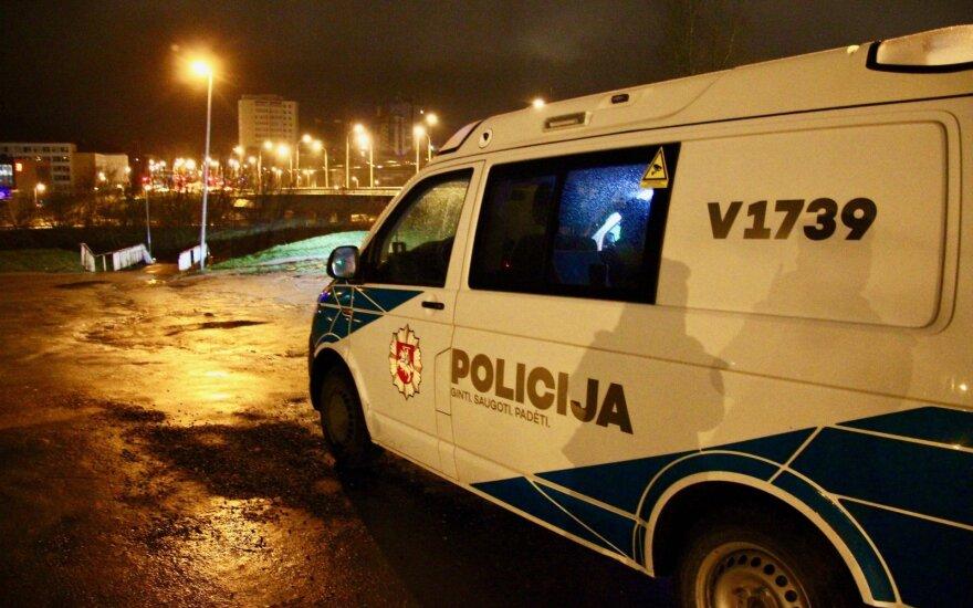 Naktį Vilniaus centre vaikai surengė tokio masto išgertuves, kokių dar nematė nei policija, nei Vaiko teisės