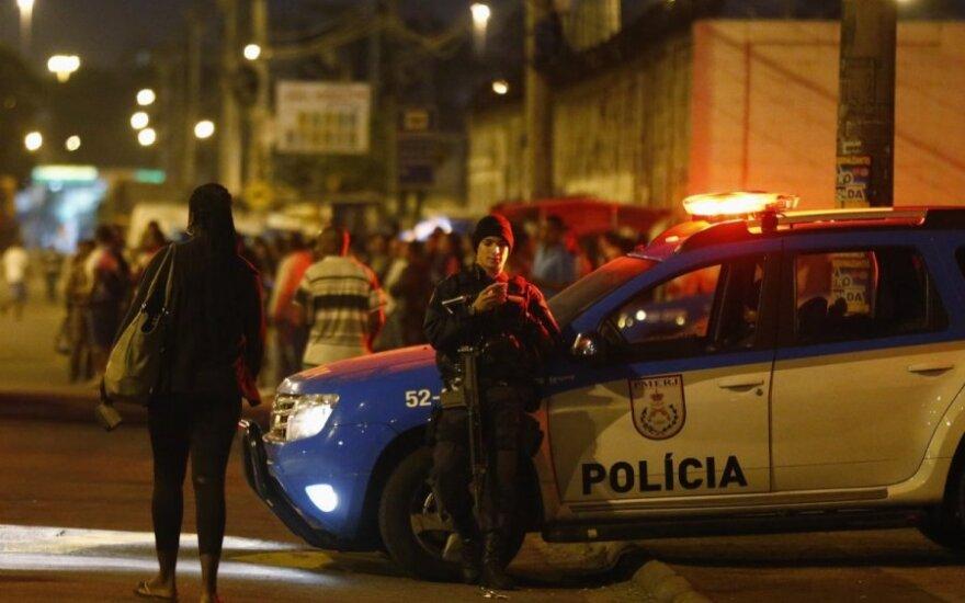 Brazilijoje vyras subadė savo merginą ir bažnyčioje nušovė tris žmones