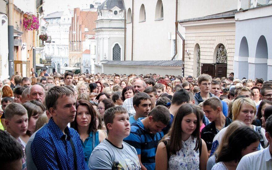 Polish school students go to church service instead of classes in protest of Lithuania's education policy