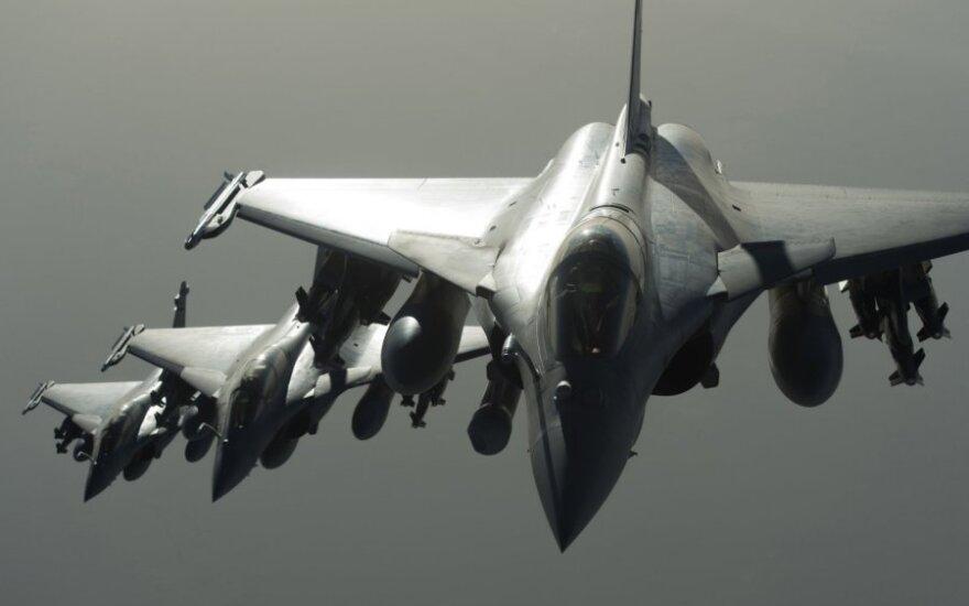 Per pirmąjį Prancūzijos oro smūgį Sirijoje žuvo 30 IS džihadistų