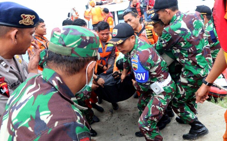 Indonezijoje nuskendus laivui dingusių žmonių padaugėjo iki 192