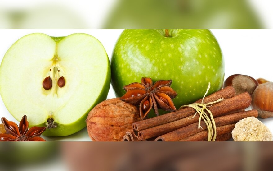 Pangasija su obuoliais ir cinamonu