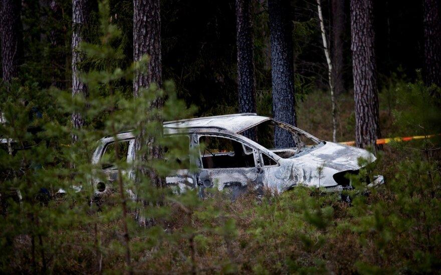 Varėnos r. rastas sudegęs nužudyto sargo automobilis