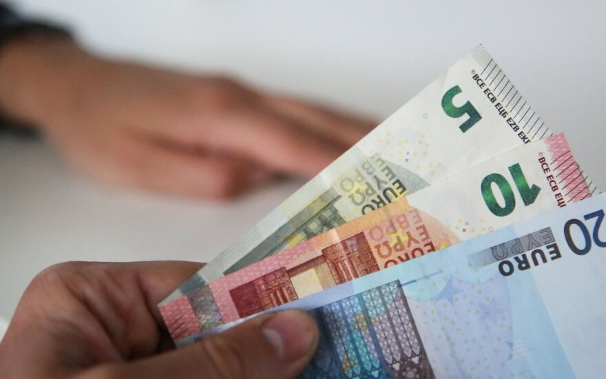 Shipment of euro banknotes arrives in Vilnius