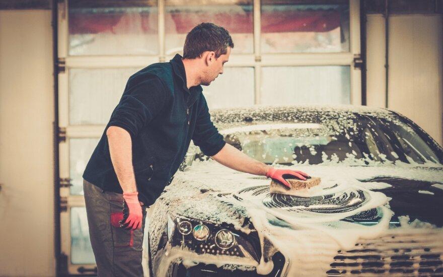 Paaiškino, kaip išsivalyti automobilį jam nepakenkiant
