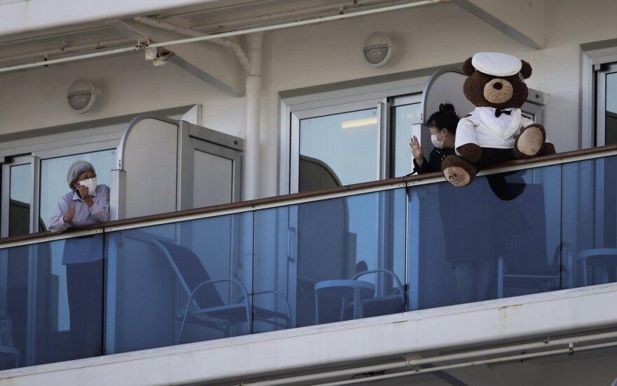Kas nutinka, kai koronavirusas įsišėlsta kruiziniame laive
