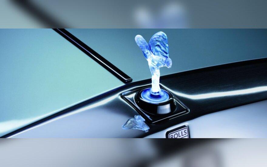 """""""Rolls-Royce"""" patvirtino, kad kurs elektromobilį"""