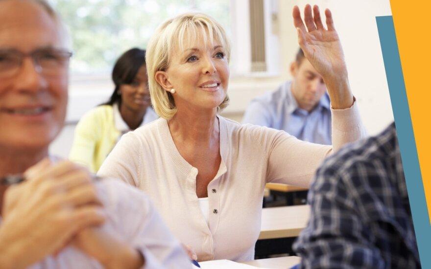 Studijas aukštosiose mokyklose vis dažniau renkasi 25-50 m. moterys
