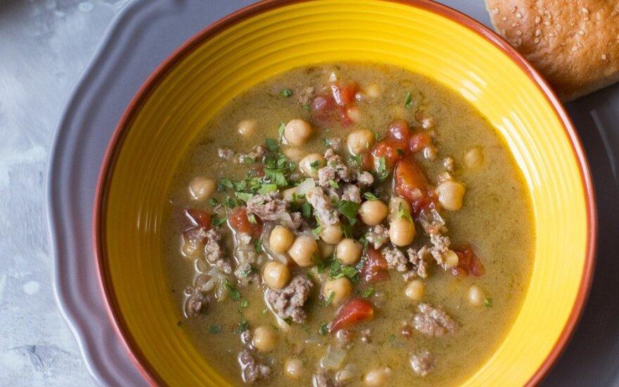 Avienos sriuba su avinžirniais ir pomidorais