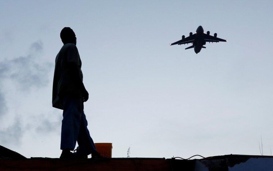 JAV karo aviacijos pilotai nukentėjo nuo kinų: tai labai rimti incidentai