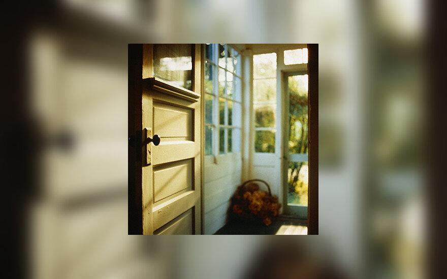 Namai, durys