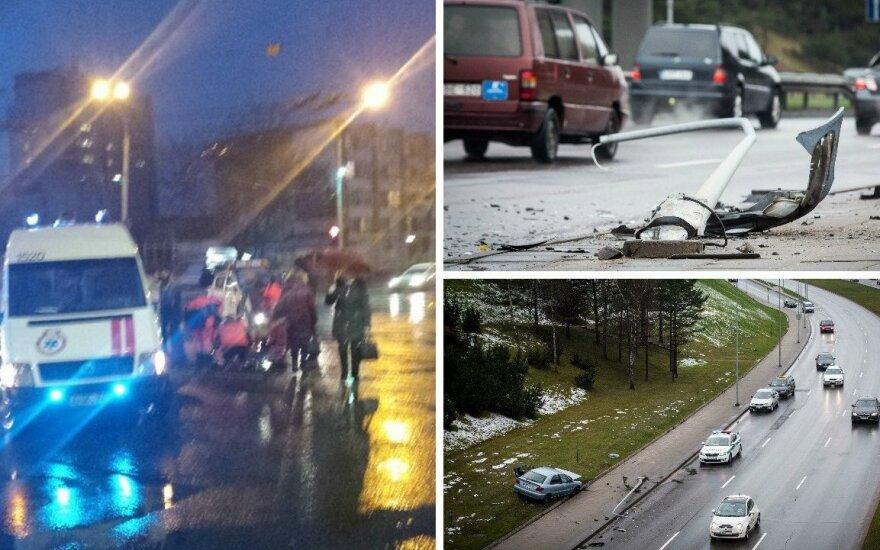 Antausis kelininkus keiksnojantiems vairuotojams: ne kelio danga dėl visko kalta