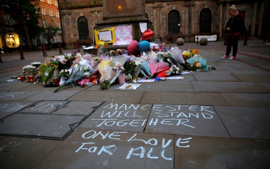 Policija sulaikė jau 14-tą įtariamąjį dėl teroro išpuolio Mančesteryje