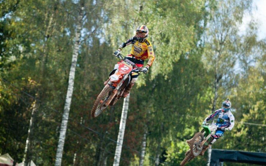 Motociklų krose – išnarinti klubai, pjautinės žaizdos ir smegenų sutrenkimai